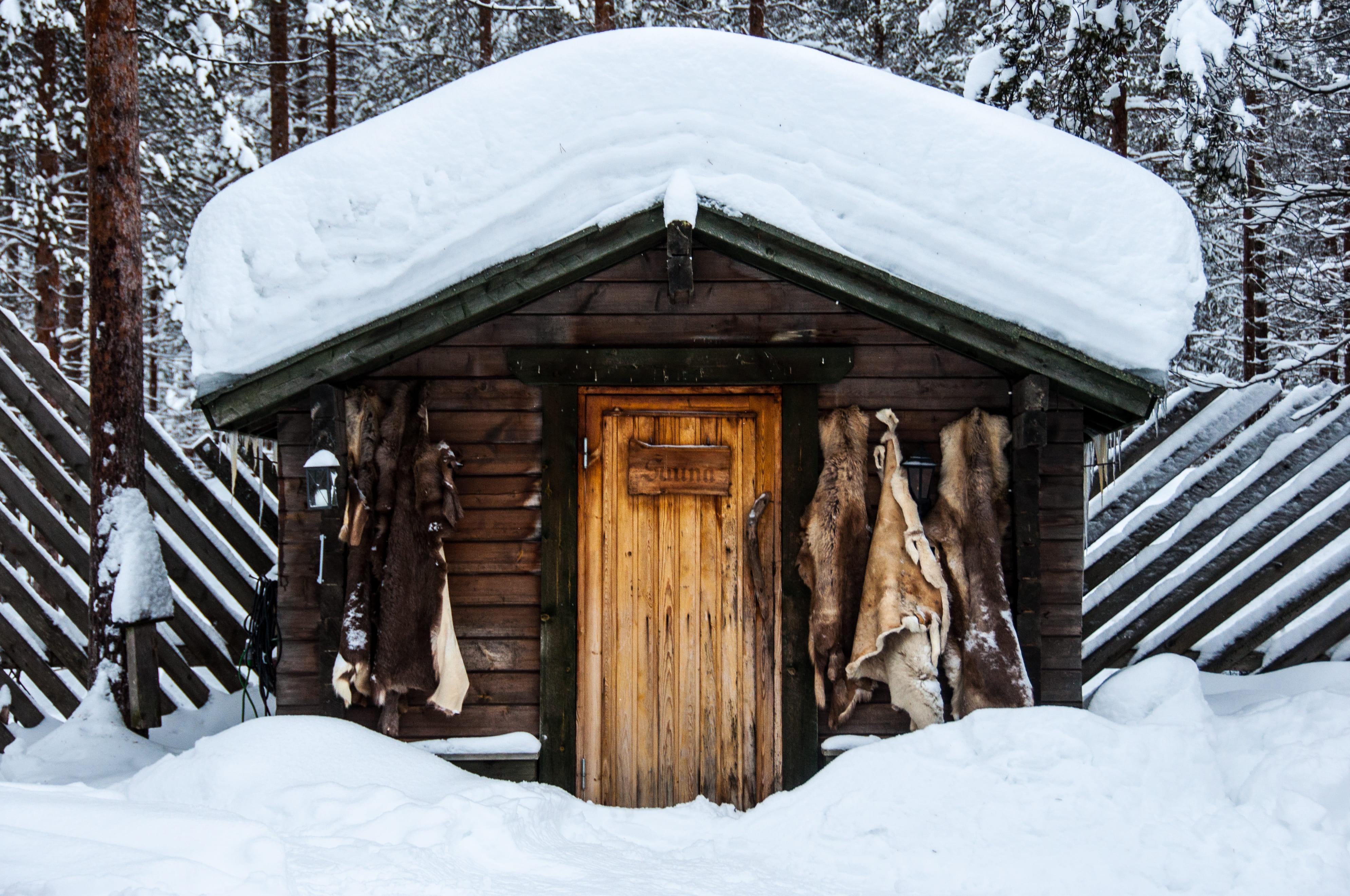 cabane en bois en laponie suedoise sejour sur mesure essentiel